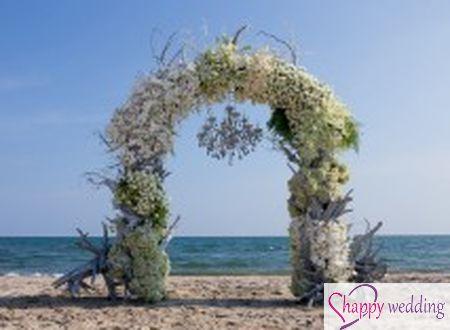 Ấn tượng cổng hoa cưới rực rỡ