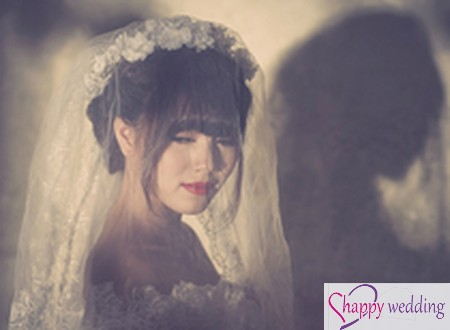 Váy cưới voan ren mềm mại cho cô dâu Việt