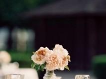 Hoa trang trí tiệc cưới phong cách cổ điển