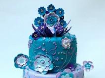 Bánh cưới màu xanh trang trí độc đáo  - Marry