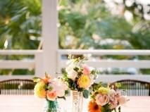 Hoa trang trí tiệc cưới rực rỡ mang phong cách vintage - Marry