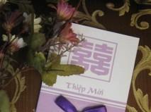 Thiệp cưới đẹp màu tím có nơ - Marry