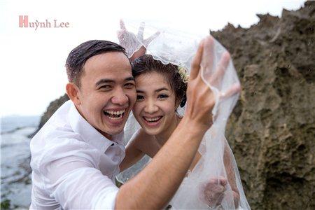 Ảnh cưới sinh động của cặp đôi`Vợ đẹp gái, chồng đẹp trai`