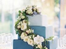 Bánh cưới đẹp 3 tầng màu xanh ombre