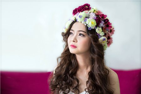 MIỄN PHÍ Trang điểm - làm tóc cài phụ kiện - Thử đồ cô dâu- chú rể tại Huynh Lee Studio