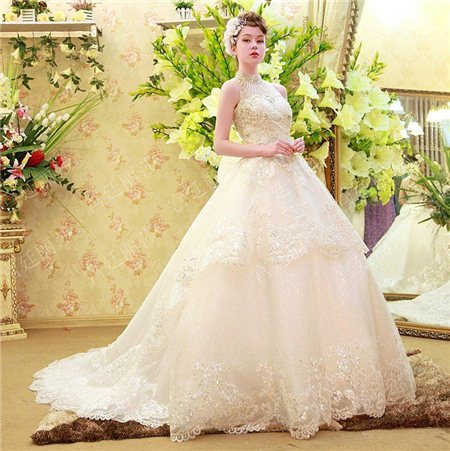 May, bán áo cưới cao cấp