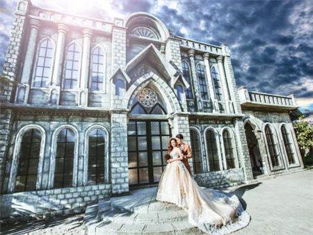 Những phim trường chụp ảnh cưới tại quận Bình Thạnh Thành Phố Hồ Chí Minh