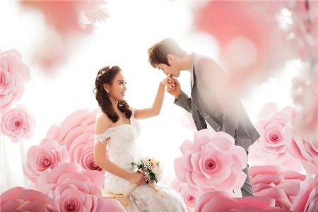 Bí quyết tạo dáng đẹp khi chụp ảnh cưới phim trường!