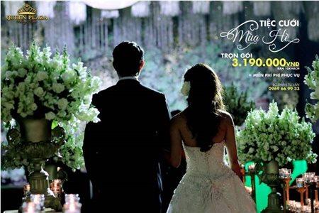 Tiệc cưới hoàn hảo với ngân sách tiết kiệm tại Queen Plaza