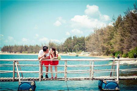 """Hồ Cốc – """"Thiên đường biển"""" nơi lý tưởng chụp hình cưới cho các cặp đôi uyên ương.."""