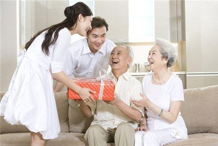 Những điều cần biết khi ra mắt gia đình người yêu