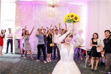 Các ý tưởng tổ chức tiệc cưới trong nhà và ngoài trời