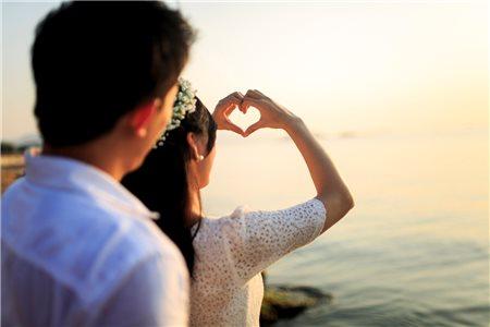 Cách tạo dáng khi chụp ảnh cưới dành cho các cặp uyên ương