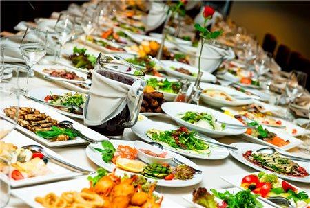 Bật mí cách chọn nhà hàng tô chức tiệc cưới mà không tốn kém