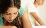 Hết ham muốn vì ám ảnh tin nhắn của chồng với tình cũ