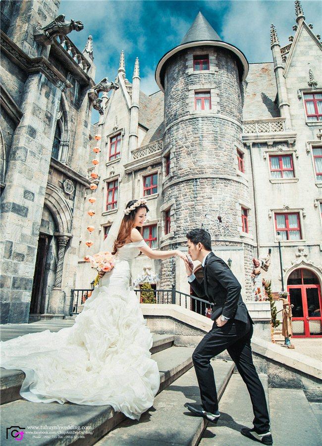 * KHUYẾN MÃI CỰC MẠNH CHỈ CÓ TẠI TÚHUỲNH WEDDING  Lần đầu tiên tại Đà Nẵng, TÚHUỲNH WEDDING tung ra chương trình khuyến mãi đặc biệt dành cho tháng 5.