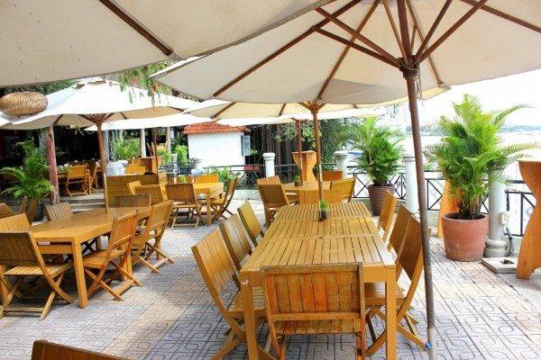 Những nhà hàng tiệc cưới ven sông tại Sài Gòn