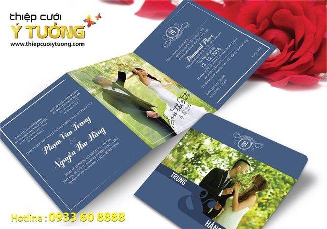 Cánh thiệp hồng lãng mạn cho ngày cưới