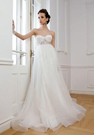 Tư vấn 5 kiểu váy cưới đẹp cho cô dâu bụng bầu..