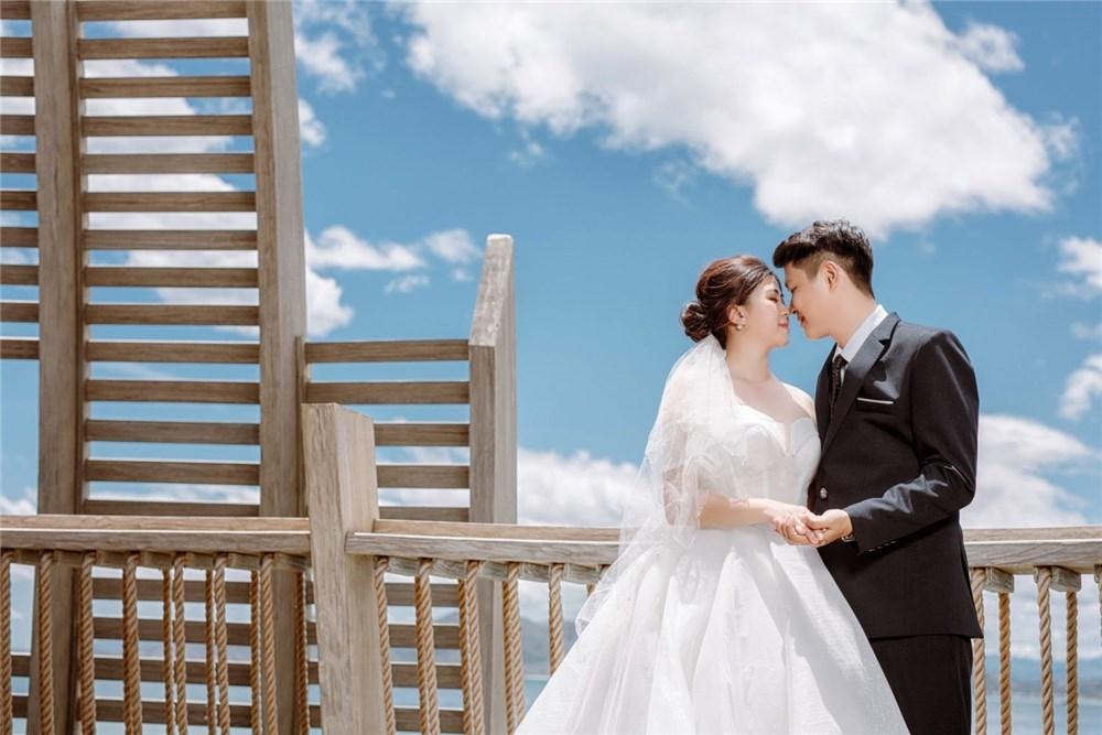 Kinh nghiệm chụp ảnh cưới: Trang phục chụp ảnh cưới hiện đại