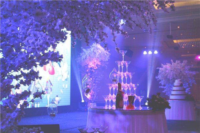 """Ưu đãi """"SWEET CHRISTMAS"""" khi đặt tiệc cưới tại MELISA CENTER"""