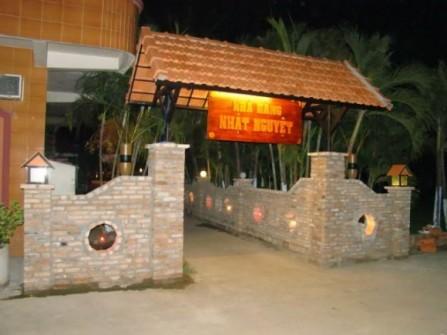 Nhà hàng Nhật Nguyệt