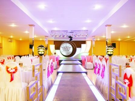 Nhà hàng tiệc cưới Hòa Bình