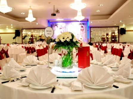 Nhà hàng tiệc cưới Sinh Đôi